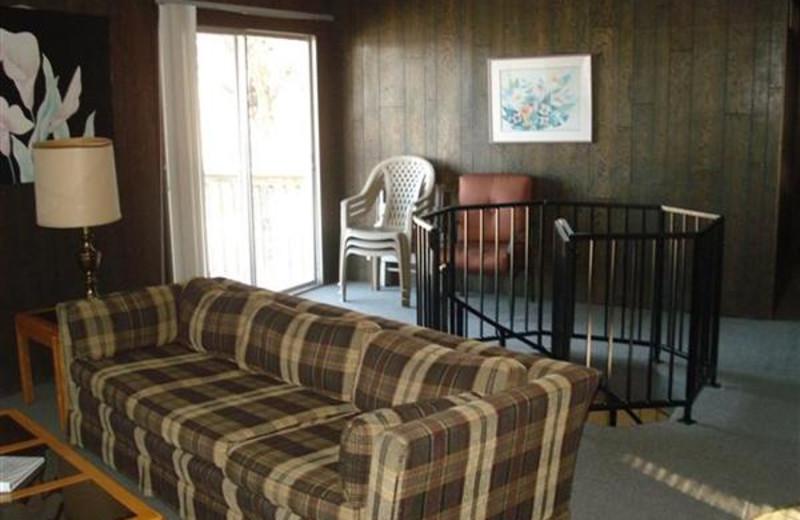 Cabin living room at Robin's Resort.