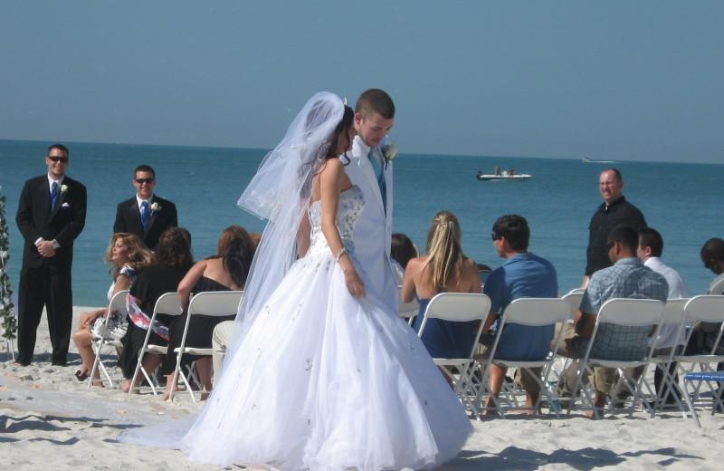 Weddings at Shoreline Island Resort.