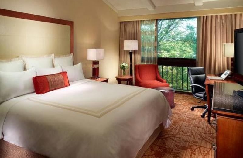 Guest room at Lincolnshire Marriott Resort.