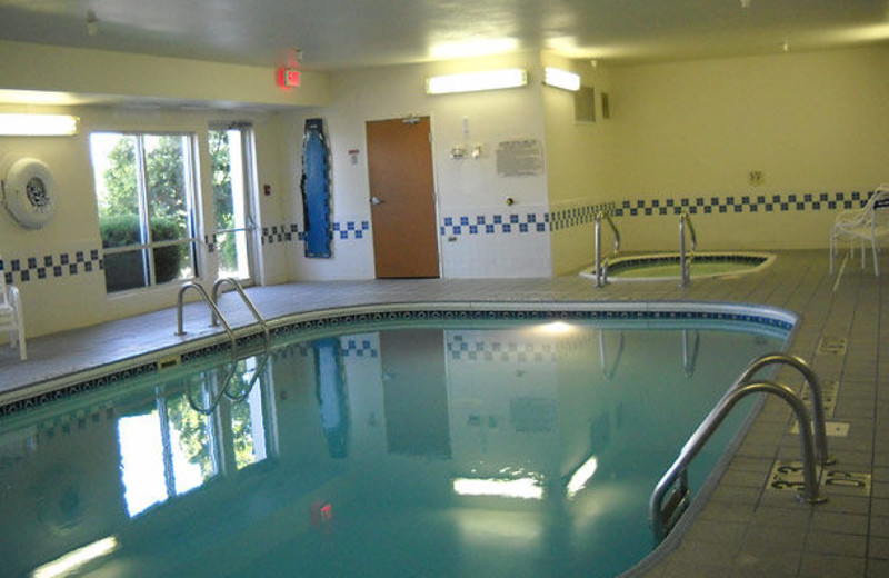 Indoor pool at Fairfield Inn Kansas City Lee's Summit.