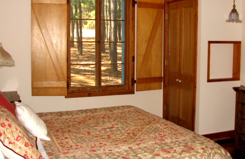 Guest bedroom at Mulberry Mountain Lodging & Events.