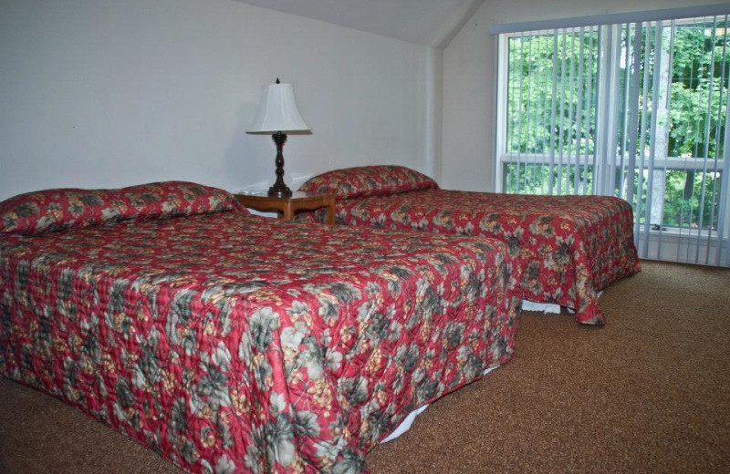 Guest bedroom at Sun Castle Resort Lakefront.