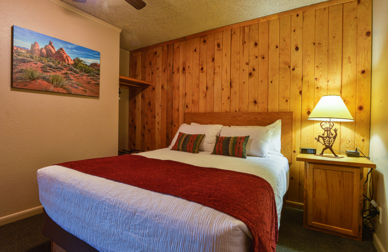 Guest room at Moab Rustic Inn.