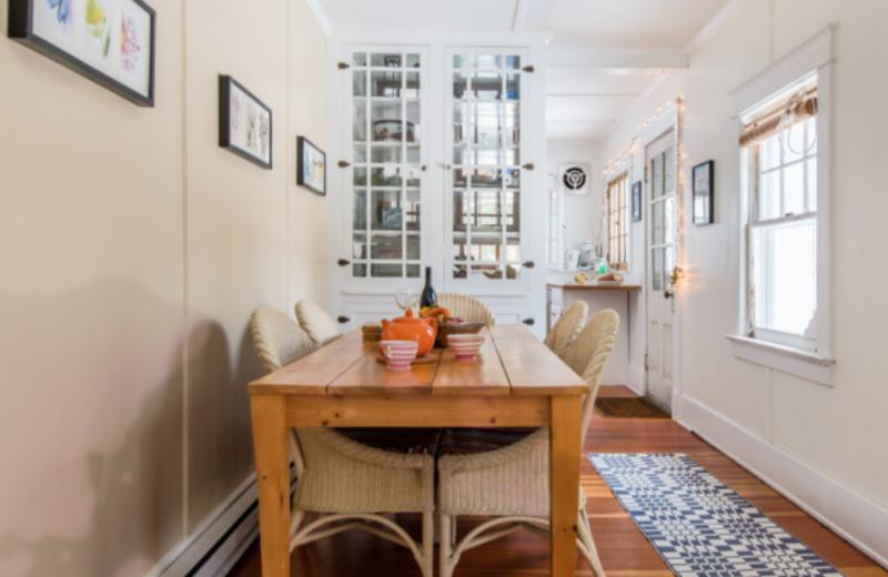 Cottage dining room at GO-Cottage.