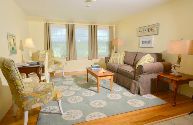 Guest living room at Newagen Seaside Inn.