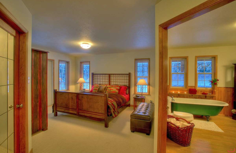 Guest bedroom at Northern Escape Heli-Skiing.