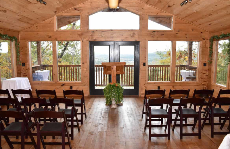 Weddings at Can-U-Canoe Riverview Cabins.
