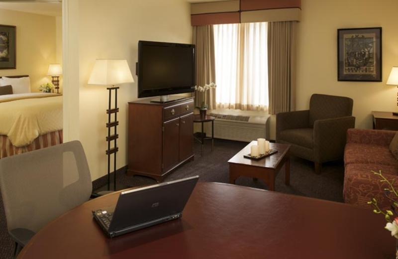 Guest suite at Larkspur Landing - Sunnyvale.