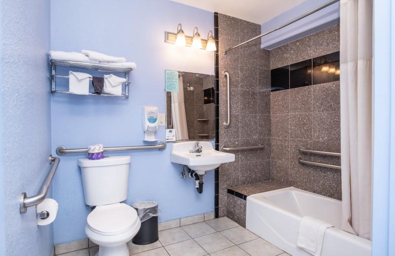 Guest bathroom at Aqua Breeze Inn.