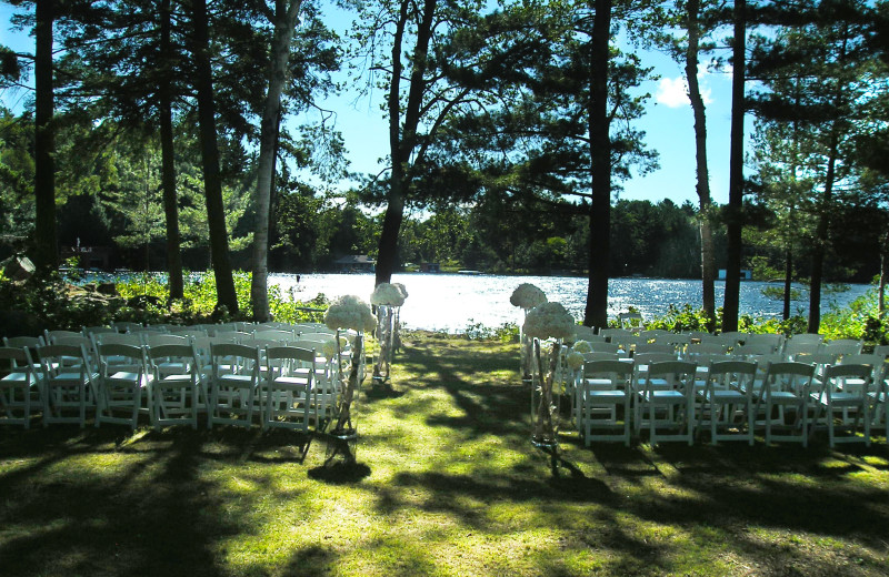 Outdoor wedding at Sherwood Inn.