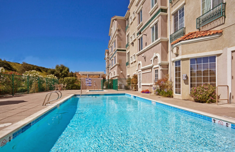 Outdoor pool at Staybridge Suites Silicon Valley-Milpitas.