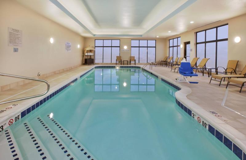 Indoor pool at Courtyard by Marriott St. Joseph-Benton Harbor.