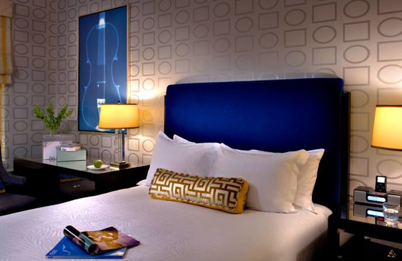Guest room at Hotel Allegro Chicago.