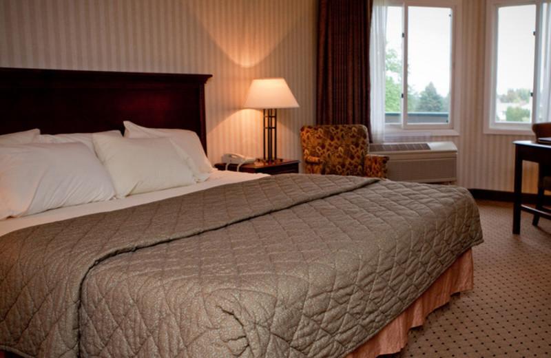 Guest bedroom at Evergreen Resort.