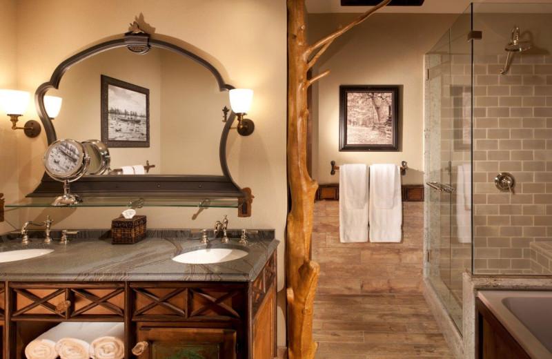 Guest bathroom at Big Cypress Lodge.