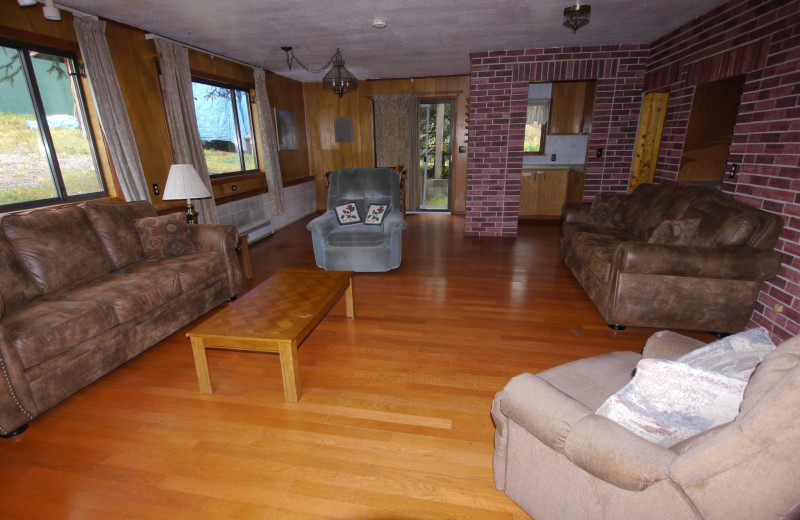 Cottage interior at Gwin's Lodge & Kenai Peninsula Charter Booking Service.