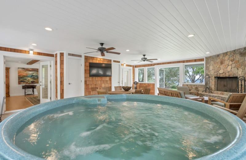 Rental hot tub at Woodfield Properties.