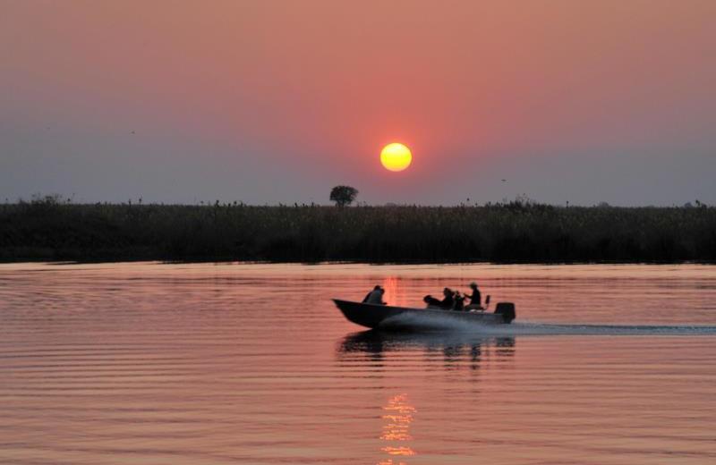 Boating at Mowana Safari Lodge.
