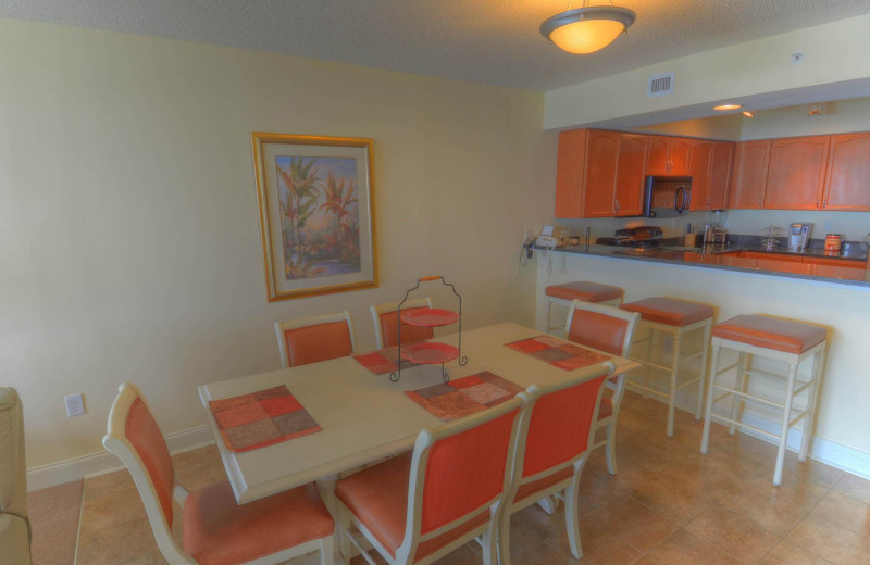 Rental dining room at CondoLux Vacation Rentals.