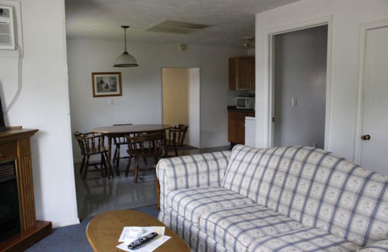 Living room view at Kentucky Beach Resort.