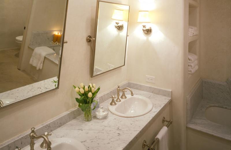 Villa Bathroom at Stablewood Springs Resort