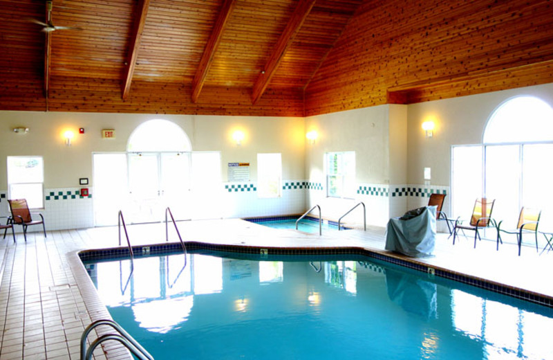 Indoor pool at Country Inn River Falls.