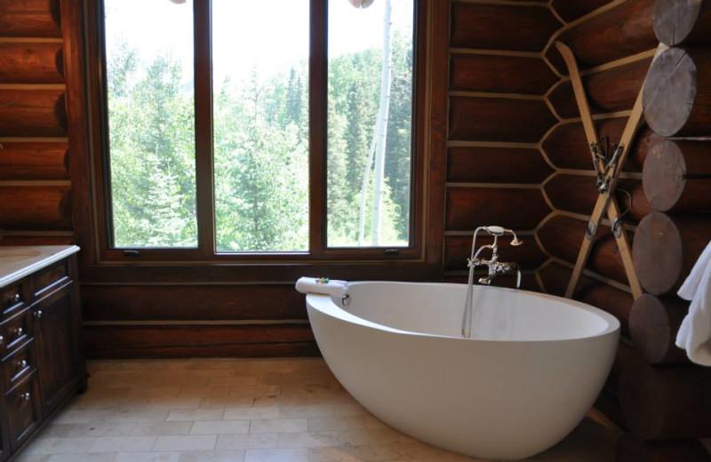 Vacation rental bathroom at SilverStar Luxury Properties.