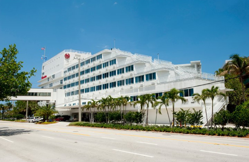 Exterior view of Sheraton Fort Lauderdale Beach Hotel.