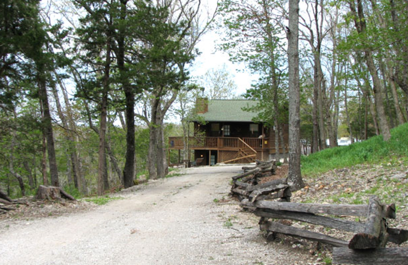 Exterior view at Can-U-Canoe Riverview Cabins.