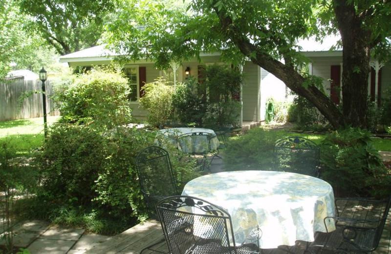 Outdoor patio at Camp David Bed & Breakfast.