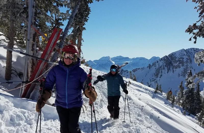 Cross country skiing at Canyon Services Vacation Rentals.