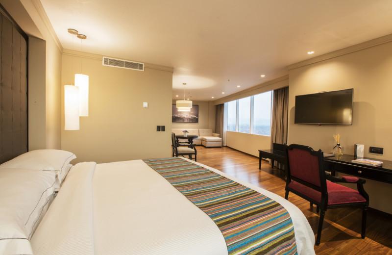Guest room at Hotel Krystal Grand Reforma Uno.