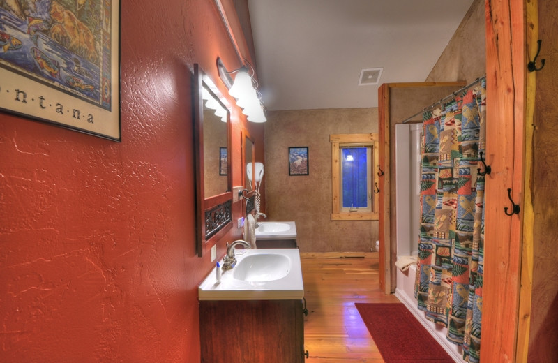 The Ridgetop Retreat has 3 full bathrooms located only 1/2 mile from Glacier National Park