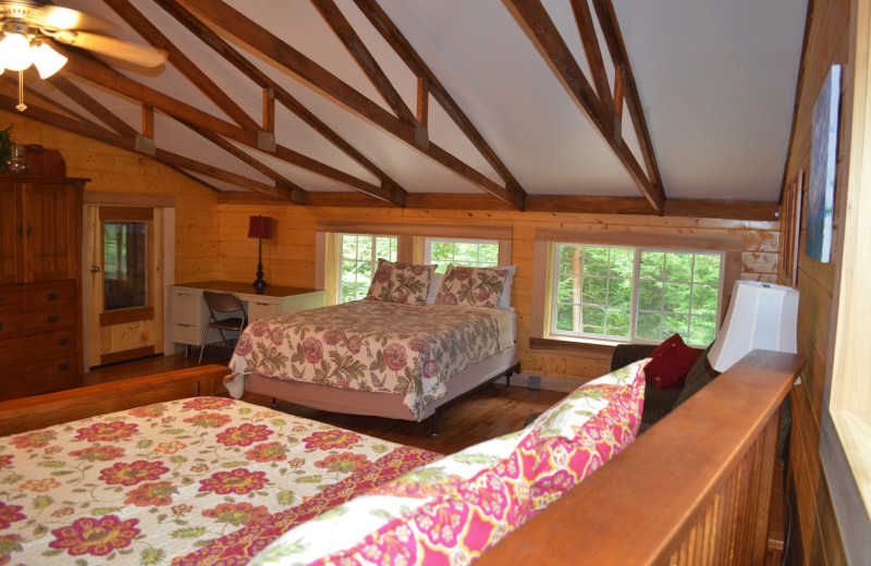 Cabin bedroom at Creeks Crossing Cabins.
