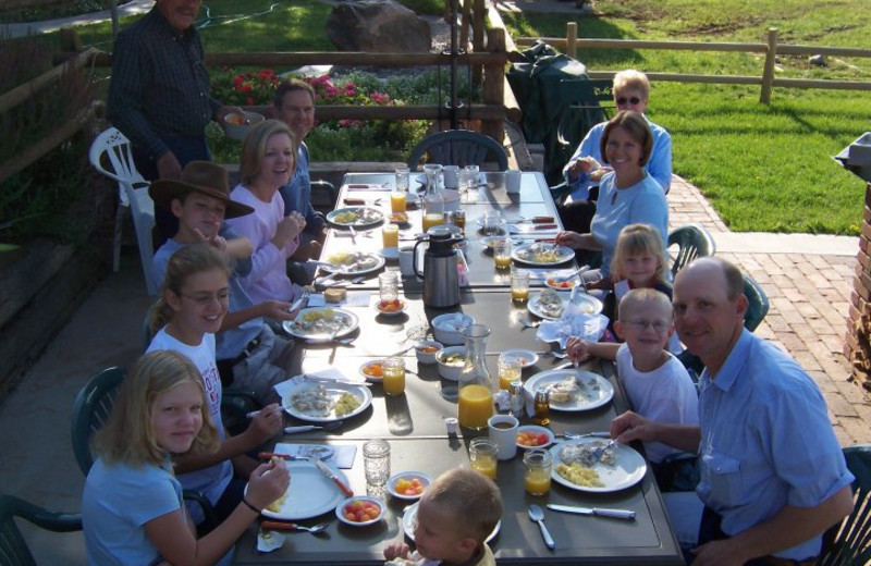 Family dining at K3 Guest Ranch.