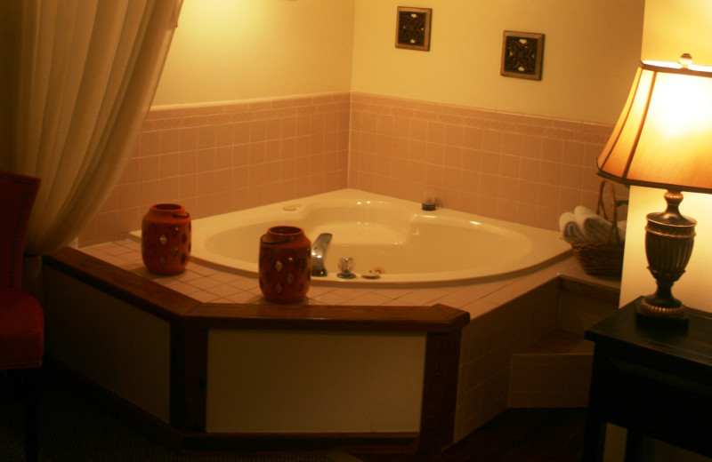 Guest jacuzzi at Old City House Inn & Restaurant.