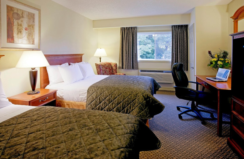 Guest room at Clarion Inn & Conference Centre.
