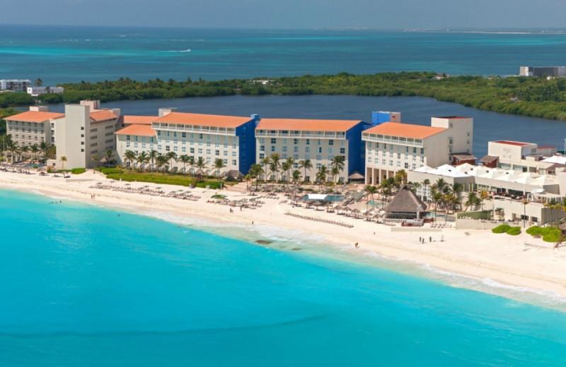 Aerial view of The Westin Regina Resort, Cancun.