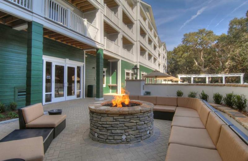 Outdoor fire pit at Hampton Inn & Suites Jekyll Island.