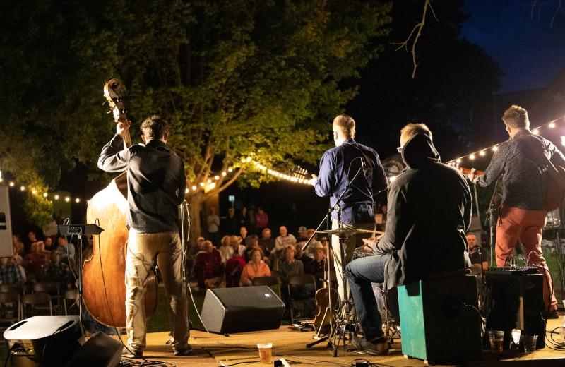 Concerts at Ruttger's Bay Lake Lodge.
