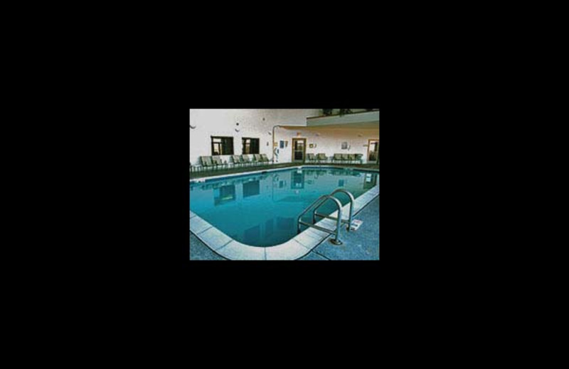 Indoor pool at Longhollow Point Condominiums.
