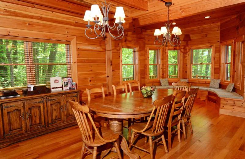 Rental dining room at Railey Mountain Lake Vacations.