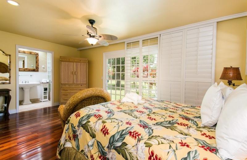 Vacation rental bedroom at Great Vacation Retreats.
