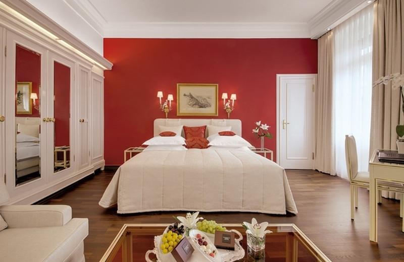 Guest room at Der Europäische Hof - Hotel Europa.