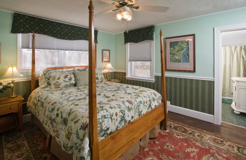 Guest room at Llewellyn Lodge in Lexington.