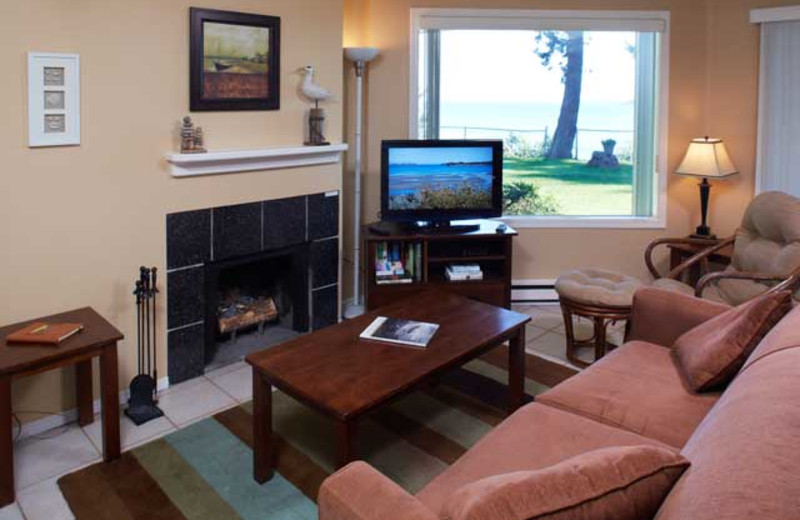 Guest living room at Madrona Beach Resort.
