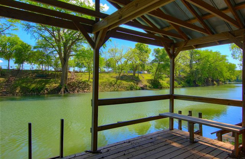 Rental dock at New Braunfels Escapes.