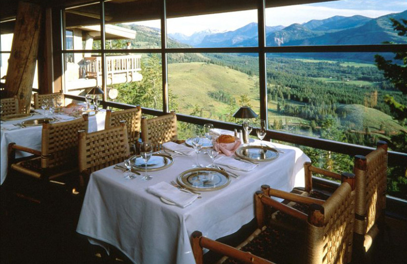Dining with a view at Sun Mountain Lodge.