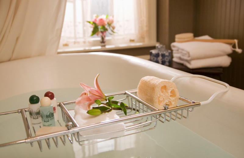Bath tub at The Rookwood Inn.