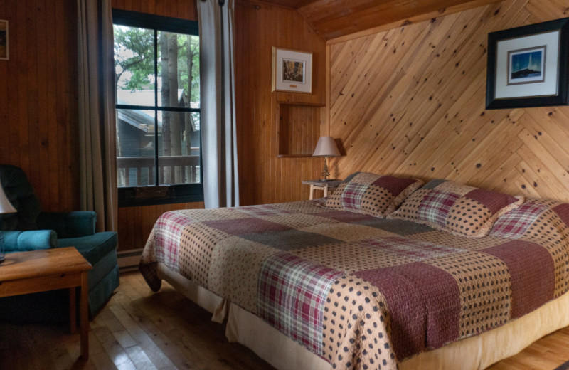 Cabin bedroom at Bartlett Lodge.